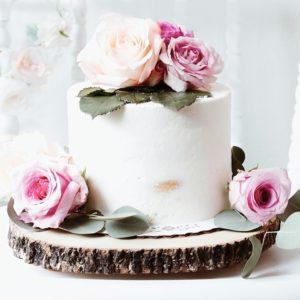 Торт с розами семейный