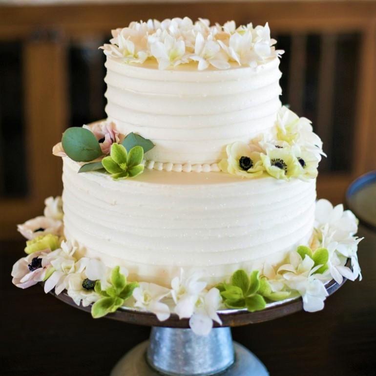 Торт на свадьбу: классика и импровизации